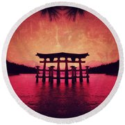 Dream Of Japan Round Beach Towel
