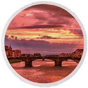Dreamlike Sunset From Ponte Vecchio Round Beach Towel