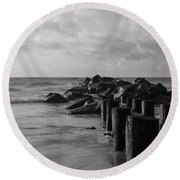Dreamy Jettie Grayscale Round Beach Towel