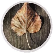 Dry Leaf On Wood Round Beach Towel