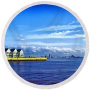 Duluth Minnesota Harbor Round Beach Towel