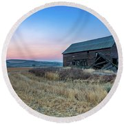 Dusk Setting On A Palouse Barn Round Beach Towel