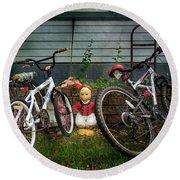 Dutch Boy's Bicycles Round Beach Towel