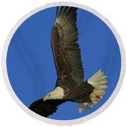 Eagle Diving Round Beach Towel