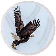 Eagle Taking Flight Round Beach Towel
