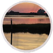 Early Light Of Day On The Bay Round Beach Towel