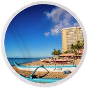 Early Morning At Outrigger Beach,hawaii Round Beach Towel