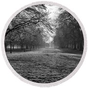 Early Morning In Hyde Park 16x20 Round Beach Towel