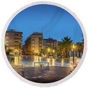Early Morning In La Plaza Round Beach Towel