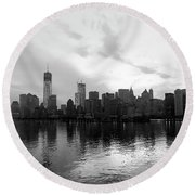 Early Morning In Manhattan Round Beach Towel