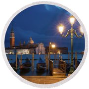 Round Beach Towel featuring the photograph Early Morning In Venice by Brian Jannsen