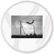 Ed Cook In The Pole Vault Round Beach Towel