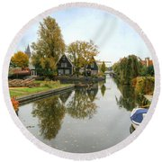 Edam Waterway In Autumn Round Beach Towel