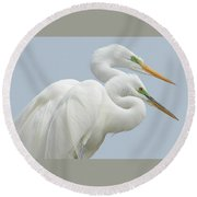 Egrets In Love Round Beach Towel