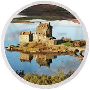 Eilean Donan - Loch Duich Reflection - Skye And Lochalsh Round Beach Towel