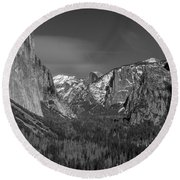 El Capitan And Half Dome Round Beach Towel