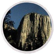El Capitan By Starlight, Yosemite Valley, Yosemite Np, Ca Round Beach Towel