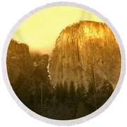 El Capitan Yosemite Valley Round Beach Towel