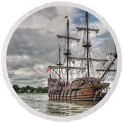 El Galeon Andalucia In Portsmouth Round Beach Towel