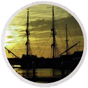 El Galeon Sunrise Round Beach Towel