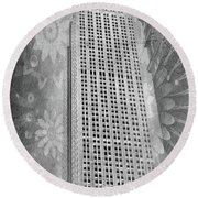 Round Beach Towel featuring the photograph Empire State Building by Angie Tirado