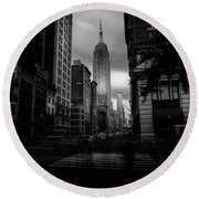Round Beach Towel featuring the photograph Empire State Building Bw by Marvin Spates