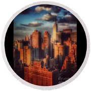 Empire State In Gold Round Beach Towel