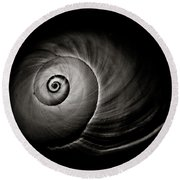 Empty Shell Round Beach Towel