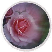 Round Beach Towel featuring the photograph End Of July 2016 Roses by Richard Cummings