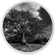 Engellman Oak Palomar Black And White Round Beach Towel