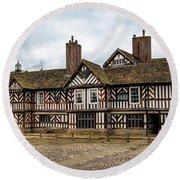 Historic Tudor Timbered Hall Round Beach Towel