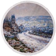 Entrance To The Village Of Vetheuil In Winter Round Beach Towel