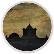 Evening At Goliad Round Beach Towel