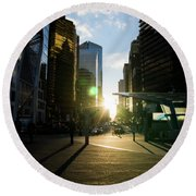 Evening In The City Round Beach Towel