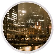 Evening In The Windy City Round Beach Towel