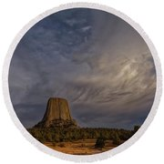 Evening Time At Devils Tower Round Beach Towel