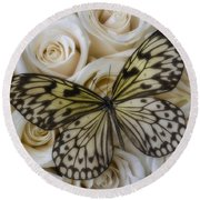 Exotic Butterfly On White Roses Round Beach Towel