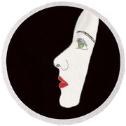 Face In Profile Round Beach Towel