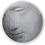 Faded Statue Round Beach Towel
