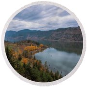 Fall Color At Ruthton Point In Hood River Oregon Round Beach Towel