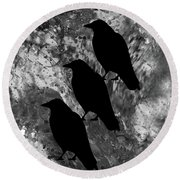 Family Crow Black And White Round Beach Towel