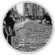 Fearless Girl And Wall Street Bull Statues 3 Bw Round Beach Towel