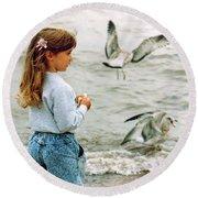 Feeding Gulls Round Beach Towel