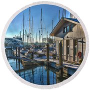 Ferry Harbour In Winter Round Beach Towel