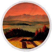 Field And Mountain Round Beach Towel