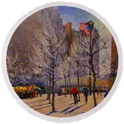 Fifth Avenue - Late Winter At The Met Round Beach Towel