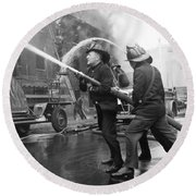 Firemen With Hose Round Beach Towel