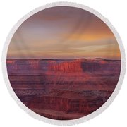 Round Beach Towel featuring the photograph First Light At Horseshoe Bend by Marie Leslie