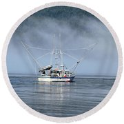 Fishing In Alaska Round Beach Towel