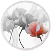 Five Roses Round Beach Towel